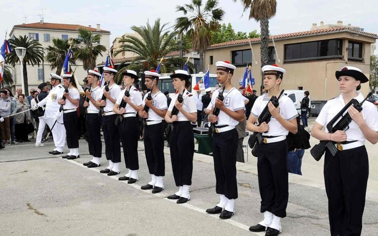 Service militaire universel et préparation militaire marine