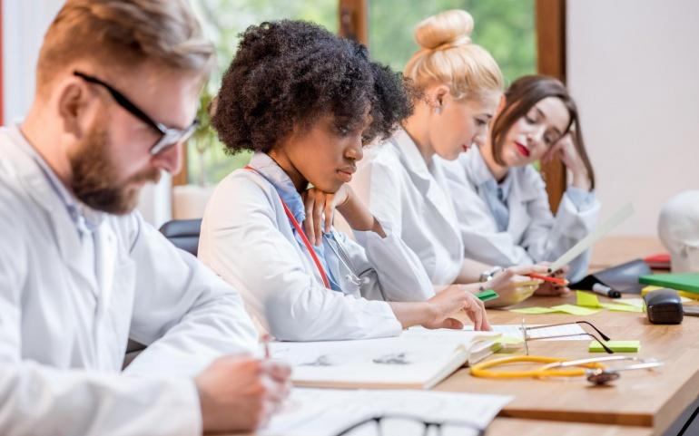 Inégalités des admissions passerelles pour les étudiants issus de filières médicales